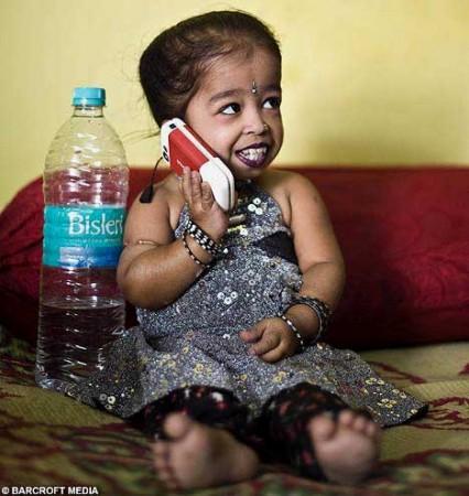 La plus petite fille au monde 04