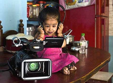 La plus petite fille au monde 05