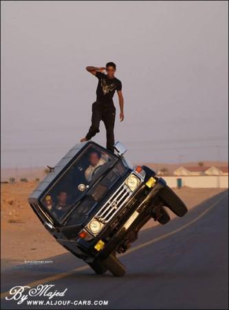 06 - Ca n'arrive que sur les routes d'Arabie Saoudite