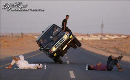 12 - Ca n'arrive que sur les routes d'Arabie Saoudite