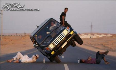 13 - Ca n'arrive que sur les routes d'Arabie Saoudite