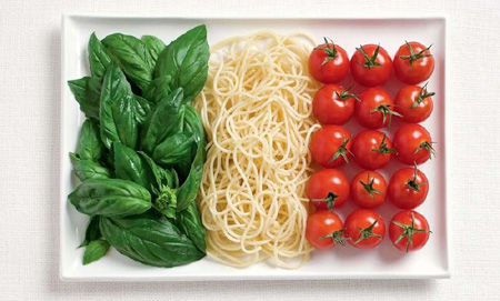 Italie - Des drapeaux nationaux fait de nourriture