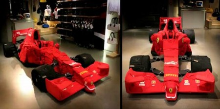 01 - Ferrari F1 fait de vêtement