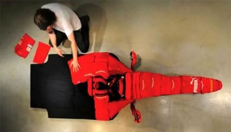 03 - Ferrari F1 fait de vêtement