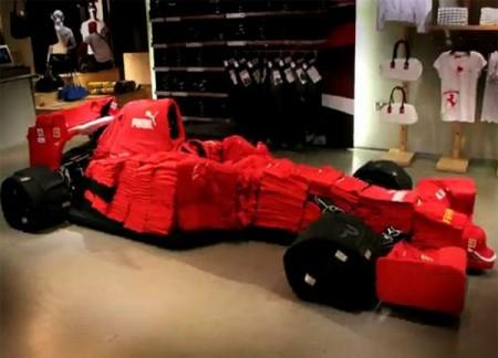 08 - Ferrari F1 fait de vêtement