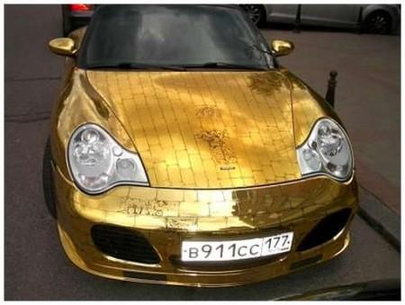 11 - BMW et Porsche en or