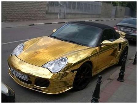 14 - BMW et Porsche en or