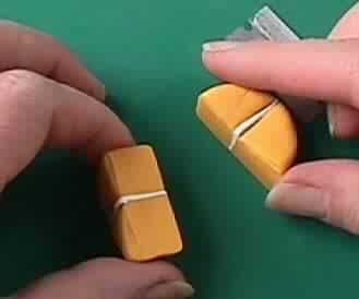 14 - La plus petite orange au monde faite par l'homme
