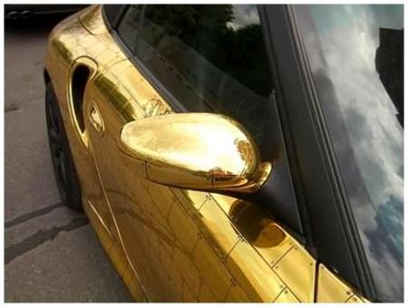 15 - BMW et Porsche en or