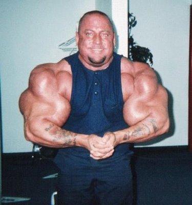 02 - Les plus gros biceps du monde