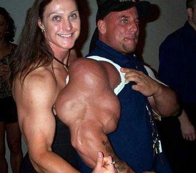 06 - Les plus gros biceps du monde