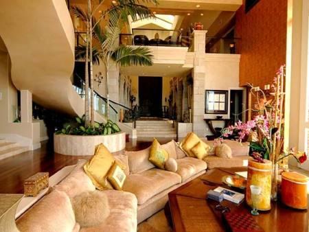 la maison de ronaldinho. Black Bedroom Furniture Sets. Home Design Ideas